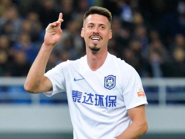 Chuyển nhượng chiều 27/7: Chạy khỏi Tianjin Teda, Wagner trở lại Bayern?
